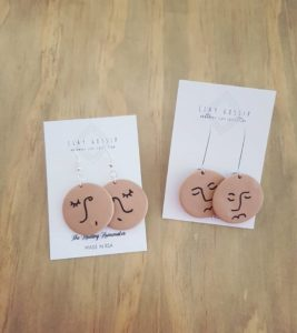Clay-earrings brown